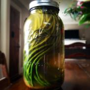 Spicy pickled long beans